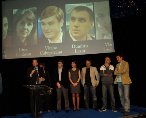 A SCOOP-supported team won the prestigious Golden Shining Light Award in 2010. Vitalie Calugarearenu, Vlad Lavrov, Stefen Candea, Dumitru Lazur, and Irina Codrean exposed how the former president of Moldova abused his power to enrich himself and his family.