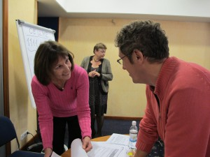Master class in SCOOP Russia - Swedish trainer Elisabeth Hedborg chats with reporter NN. Lina Zernova in the background.